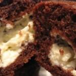 Chokolade muffins med cheesecake