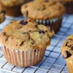 chokolade, banan og nødder muffins